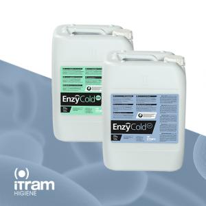 Botellas enzimáticos con agua fría
